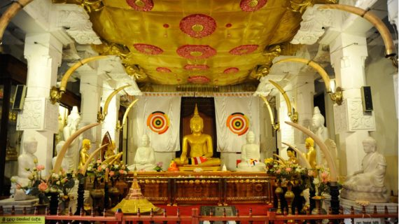 kandy-temple-sacred-tooth-relic-buddha
